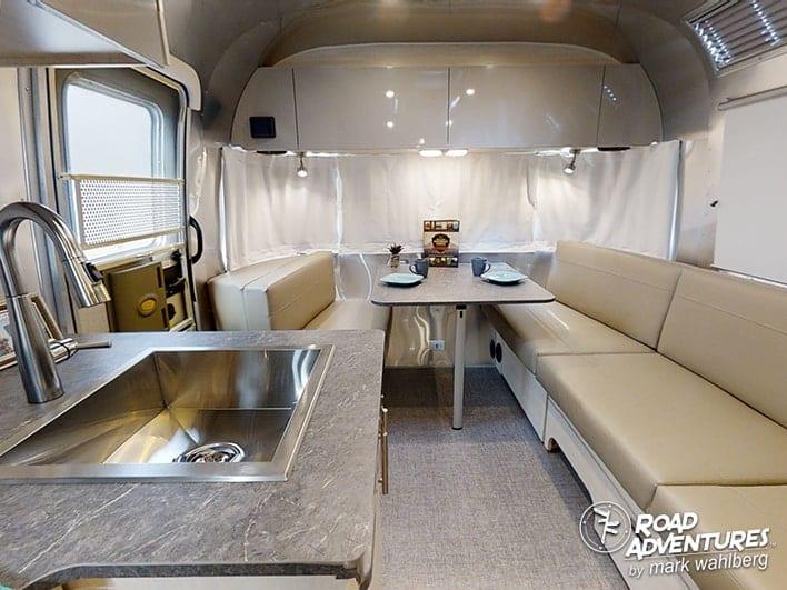 Airstream 25FB-20-min