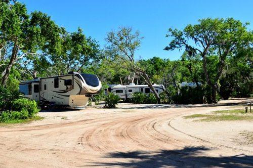 campground-3336155_640